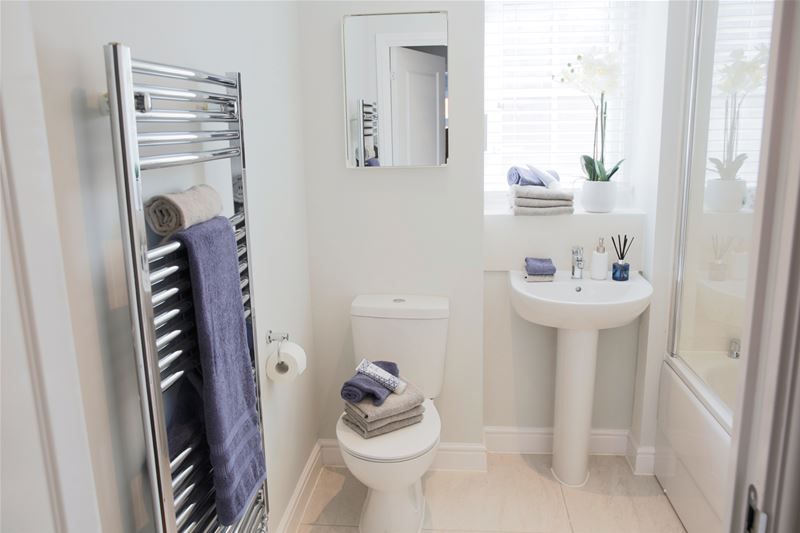 mhs homes - The Parsonage, Marden, Maidstone - Bathroom
